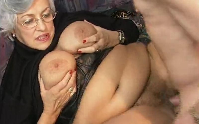 geile oma komt klaar sex oma com