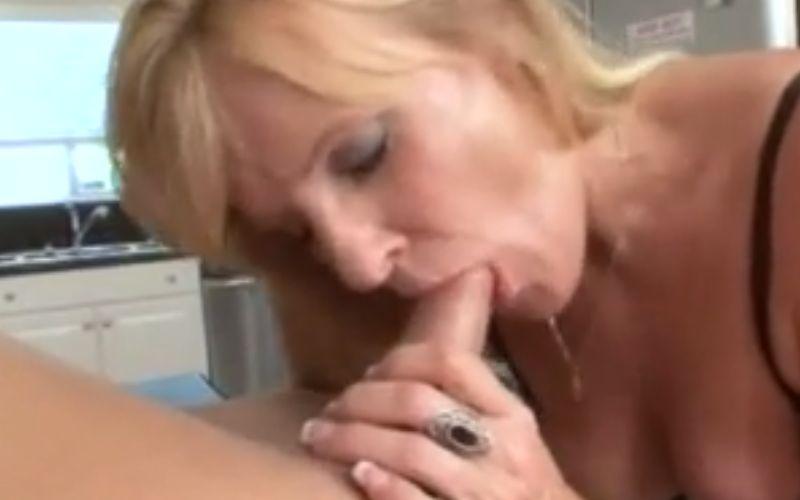 amateur vriendin oma neukt tiener